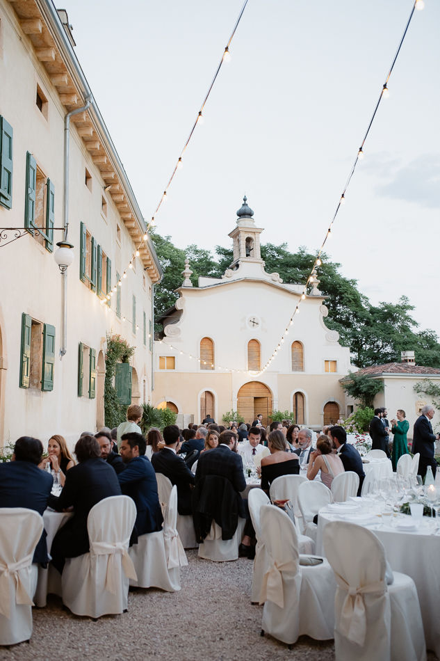 This image has an empty alt attribute; its file name is wedding-verona-1070.jpg